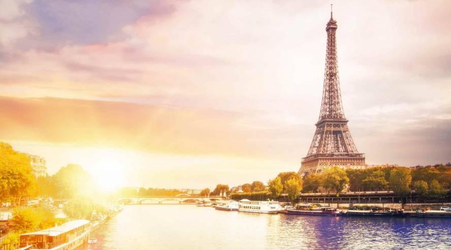 Eiffel torni ja Seine joki Pariisi Ranska