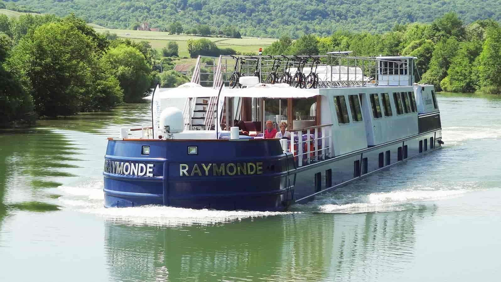 Barge-Raymonde-ulkokuva-©CroisiEurope.jpg