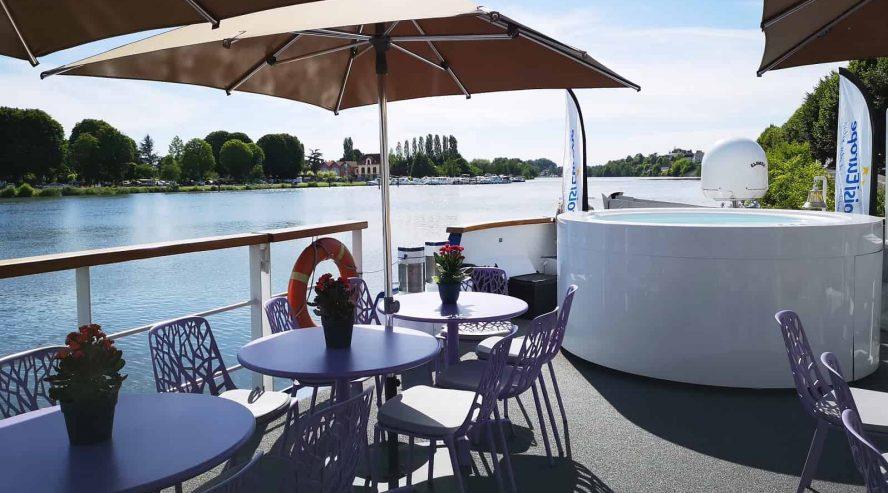Barge-ulkokansi-ja-poreallas-©CroisiEurope-888x493.jpg