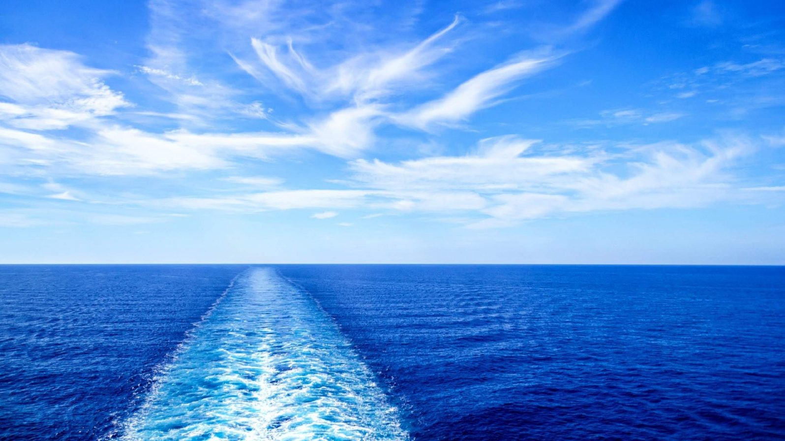 Laivan-vanavesi-aava-meri-1596x896.jpg