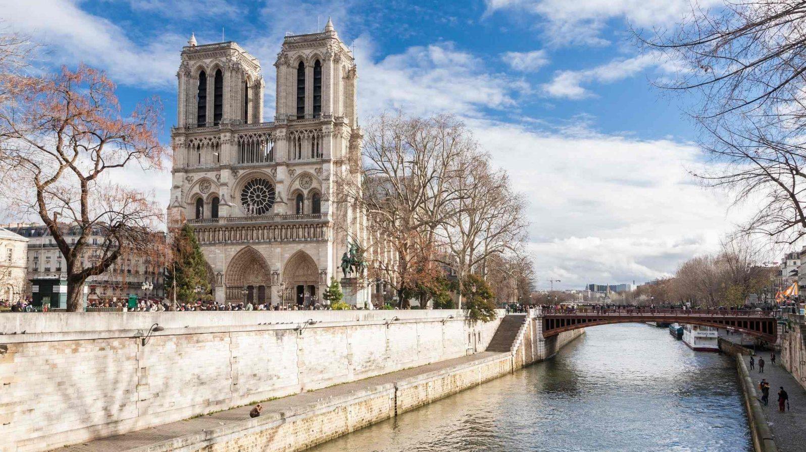 Notre-Damen-Katedraali-Pariisi-1596x896.jpg