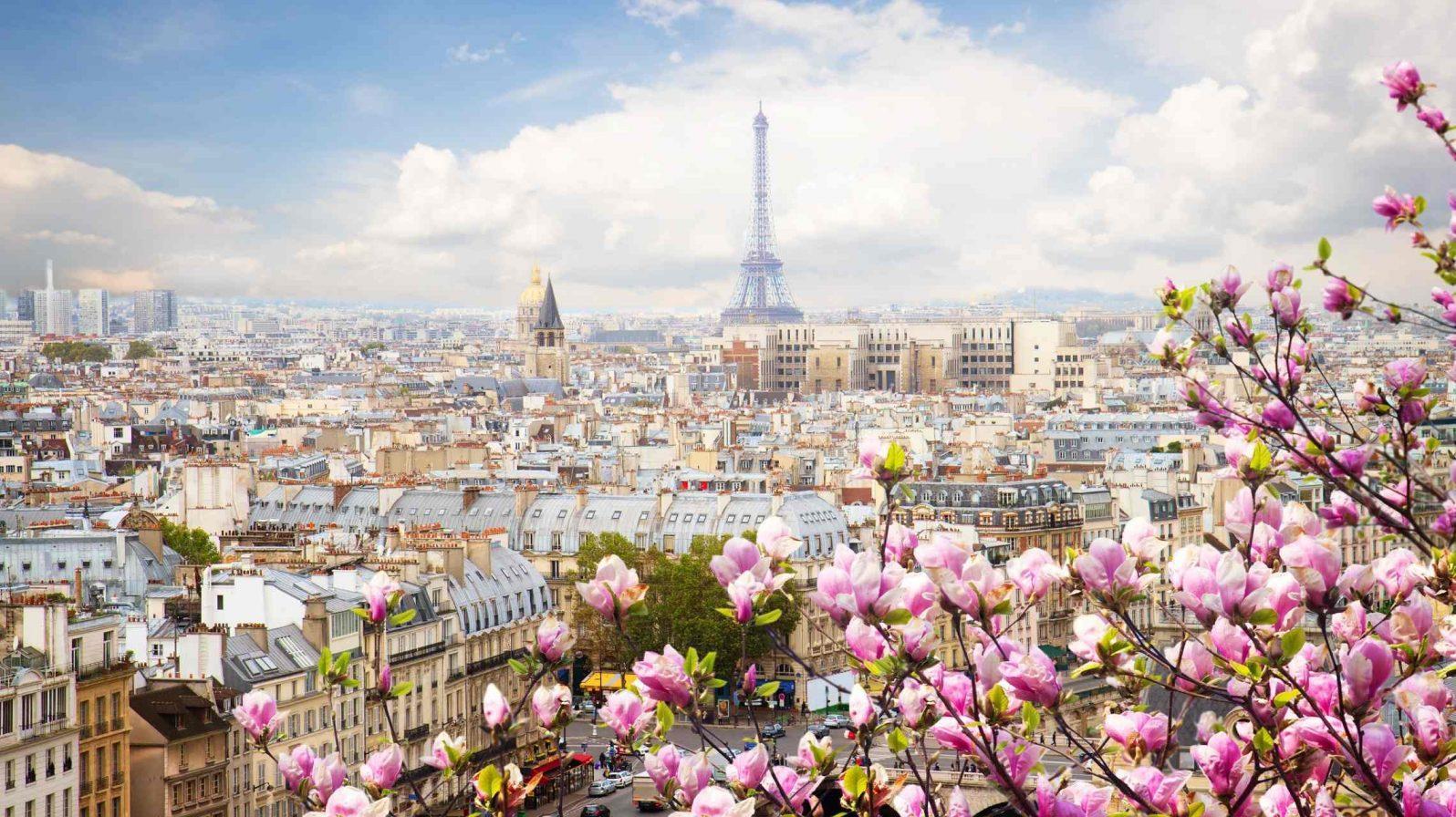 Pariisin-kaupunkikuva-ja-Eiffeltorni-Ranska-1596x896.jpg
