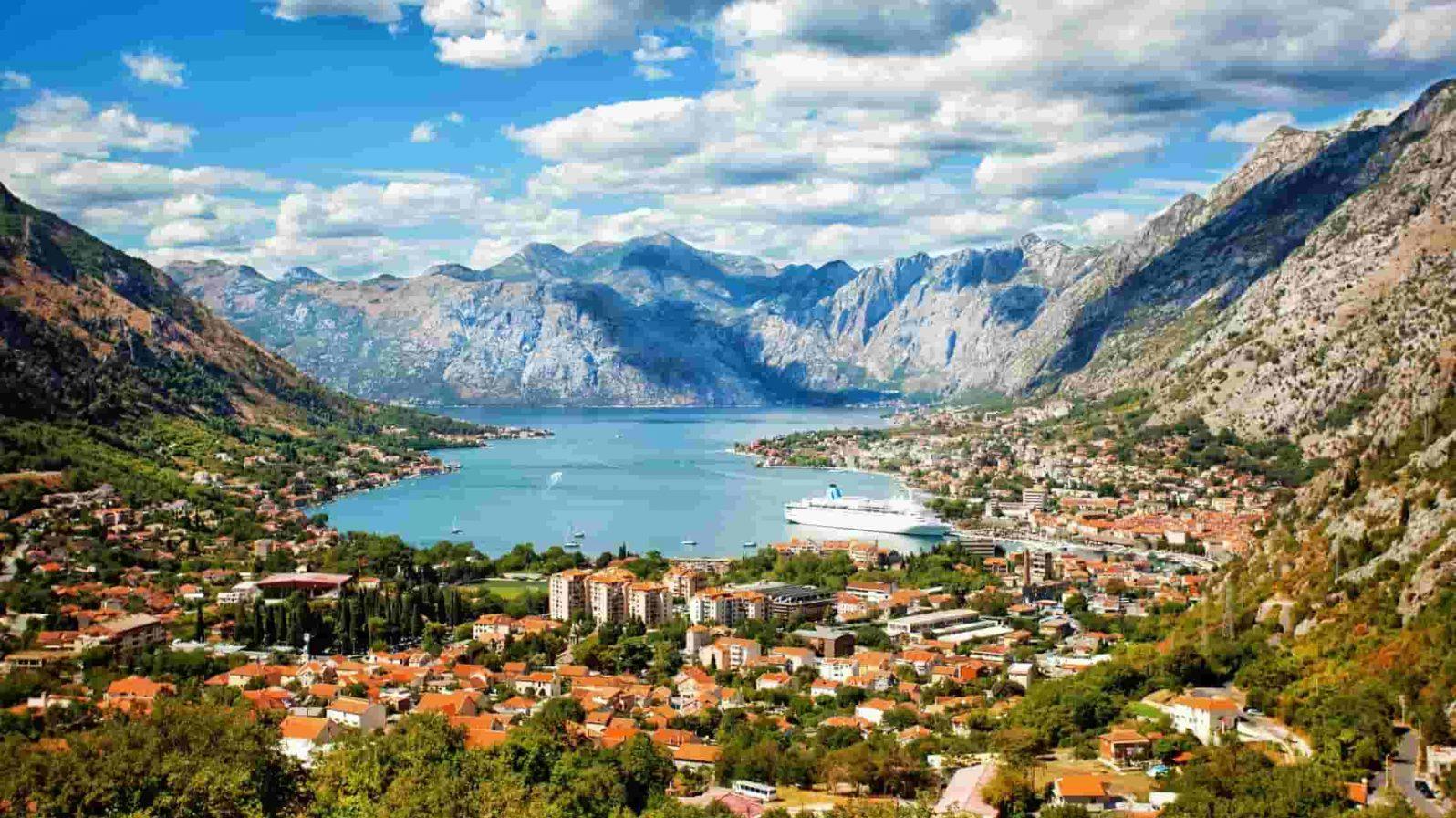 Kotorin-lahti-Montenegro-1596x896.jpeg