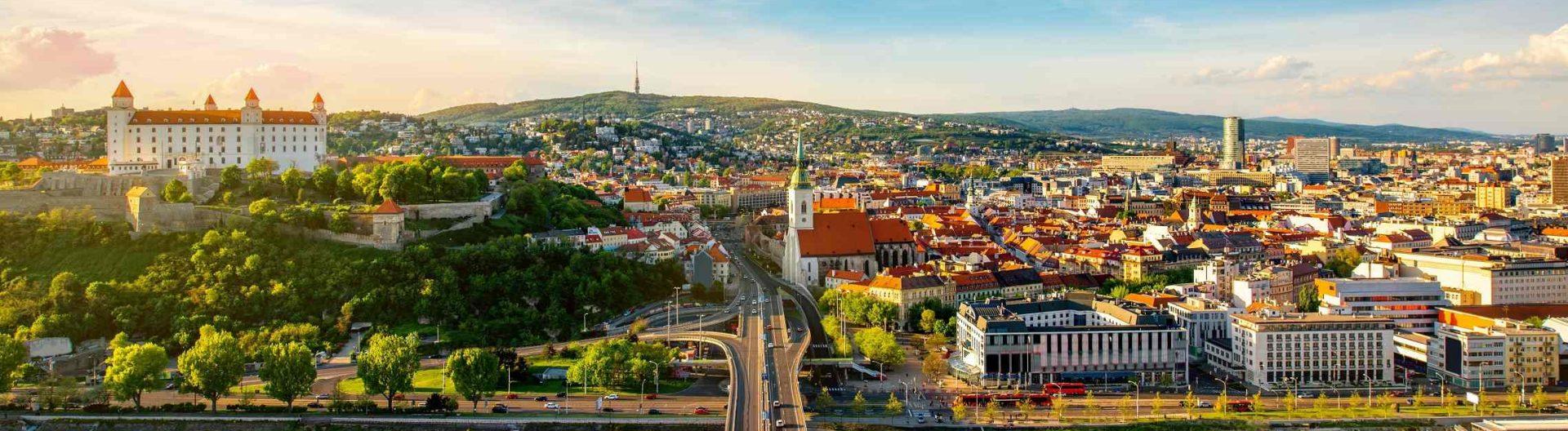 Bratislavan-kaupunki-Slovakia-1920x528.jpg