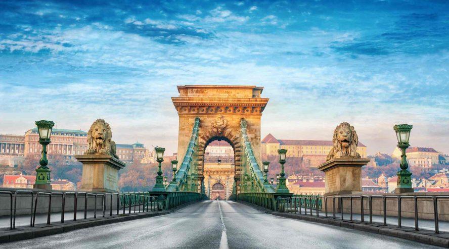 Budapestin-ketjusilta-Unkari-888x493.jpg