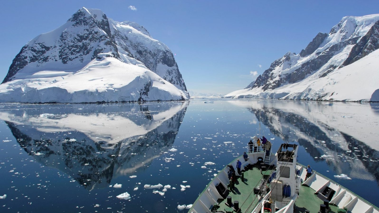 Etelämanner-risteily-Antarktisella-min-1596x896.jpeg