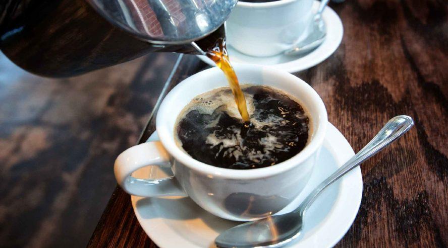 Kuumaa-kahvia-ruoka-ja-juoma-888x493.jpg