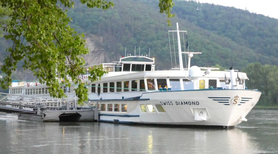 Omalla laivalla Swiss Diamond
