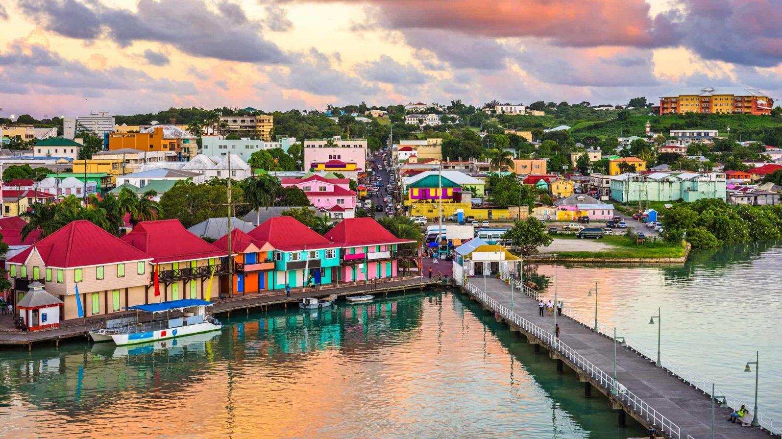 St.-Johns-Antigua-Karibia-1596x896.jpeg