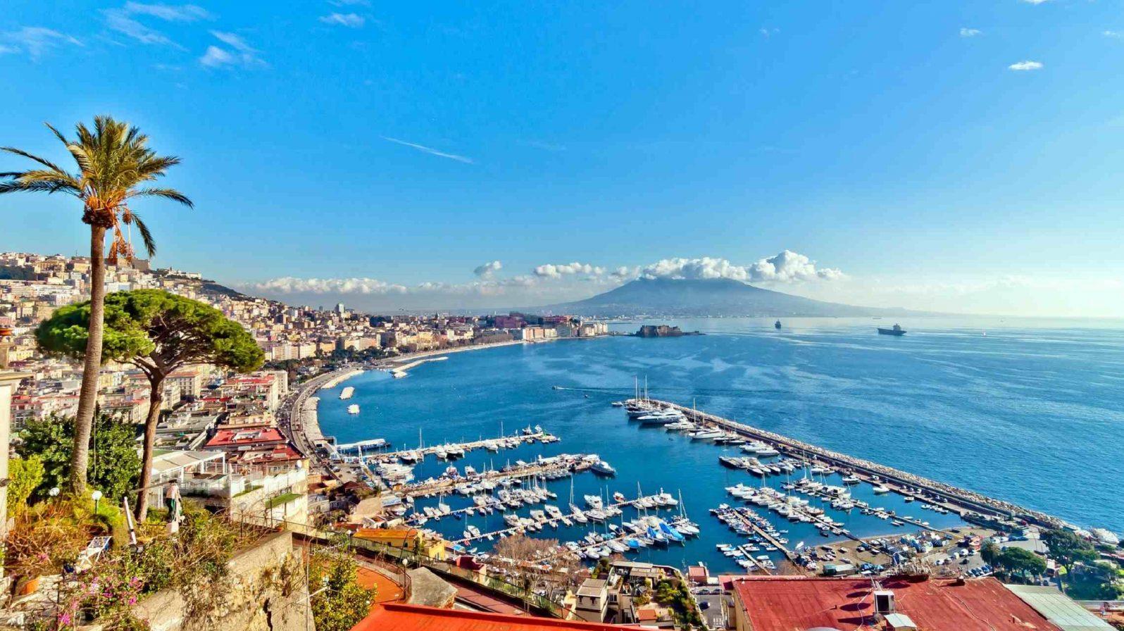 Napolin-lahti-Italia-1596x896.jpg