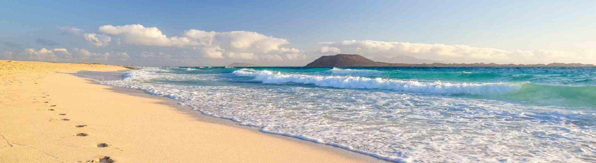 Corallejo-ranta-Fuerteventura-Kanariansaaret-1920x528.jpg
