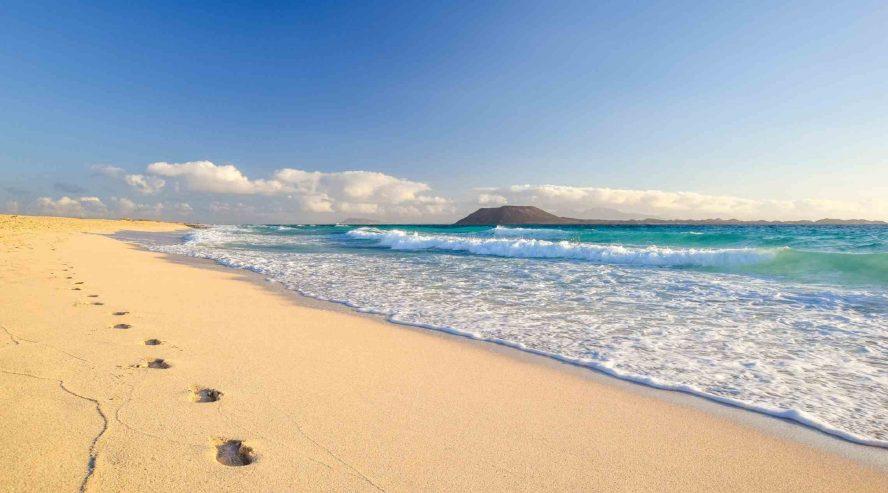 Corallejo-ranta-Fuerteventura-Kanariansaaret-888x493.jpg