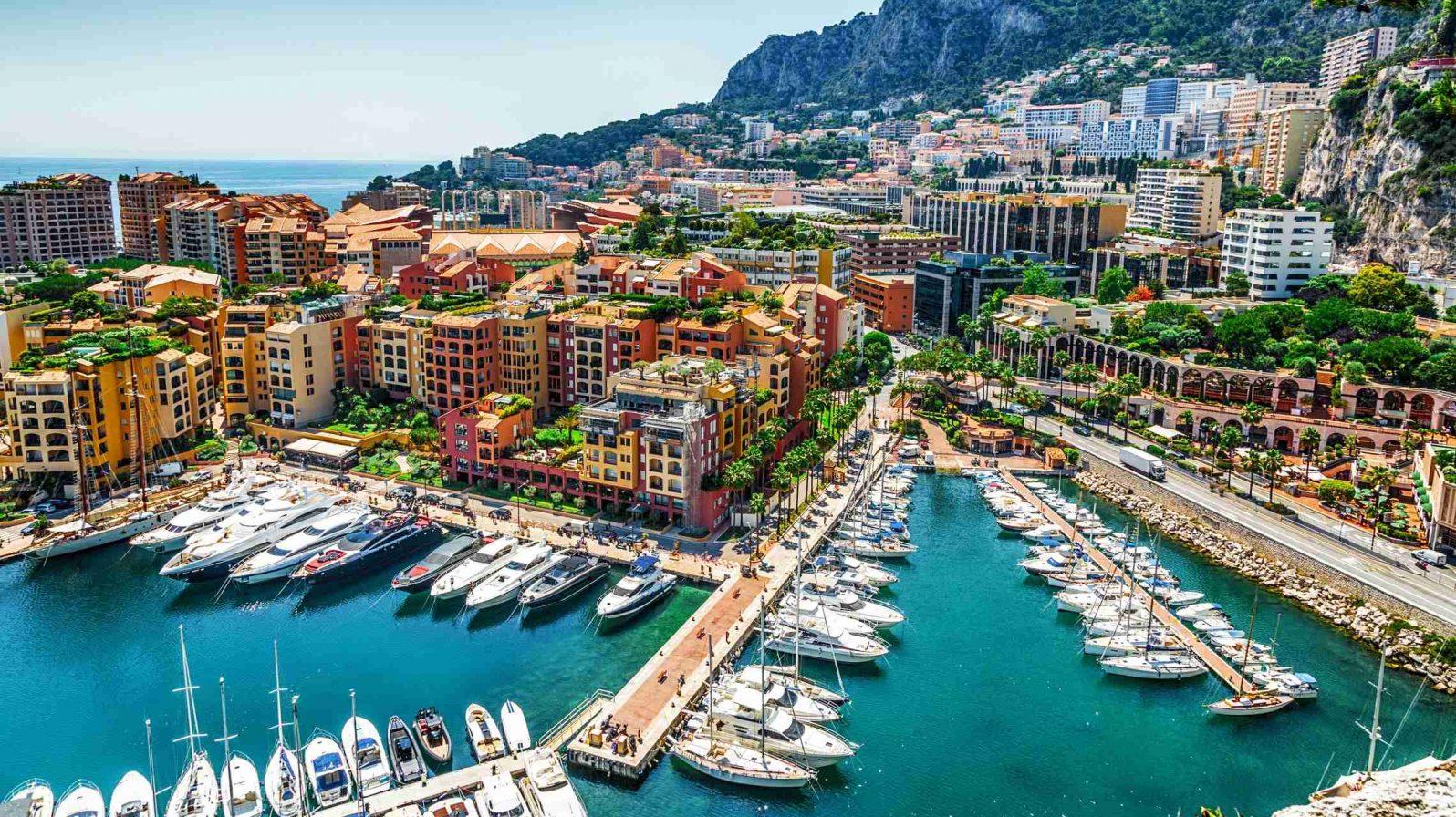 Monaco-ja-Monte-Carlo-näkymä-satamasta-1596x896.jpg