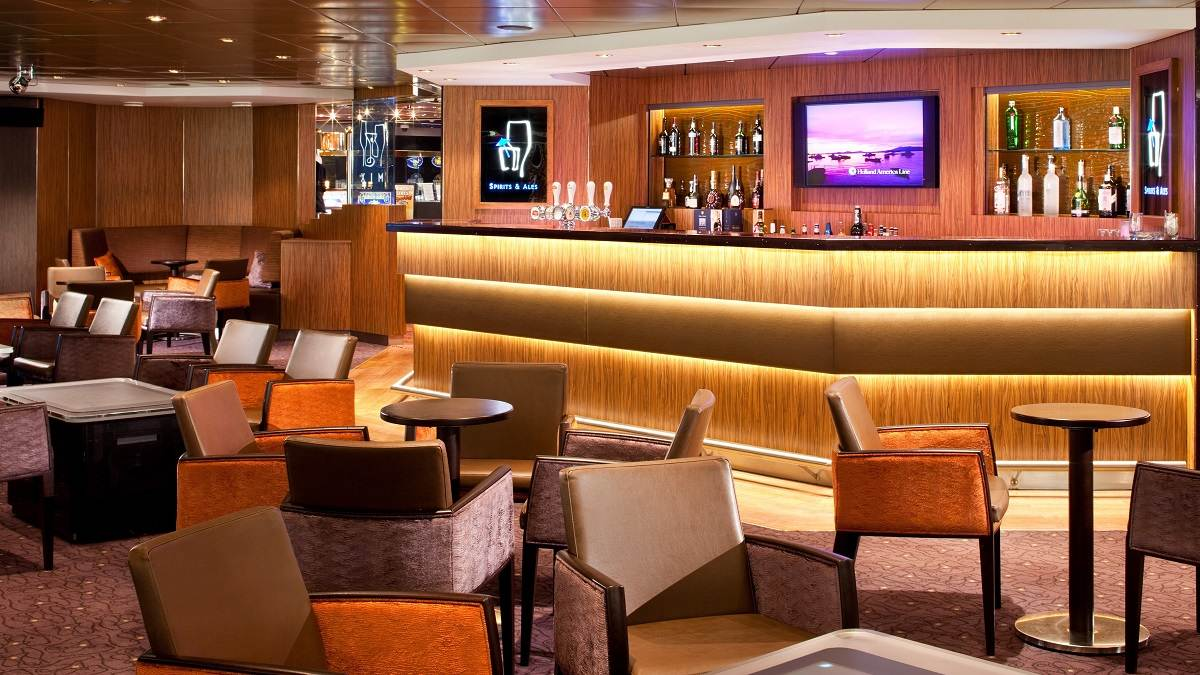 Veendam Mix Bar © Holland America Line
