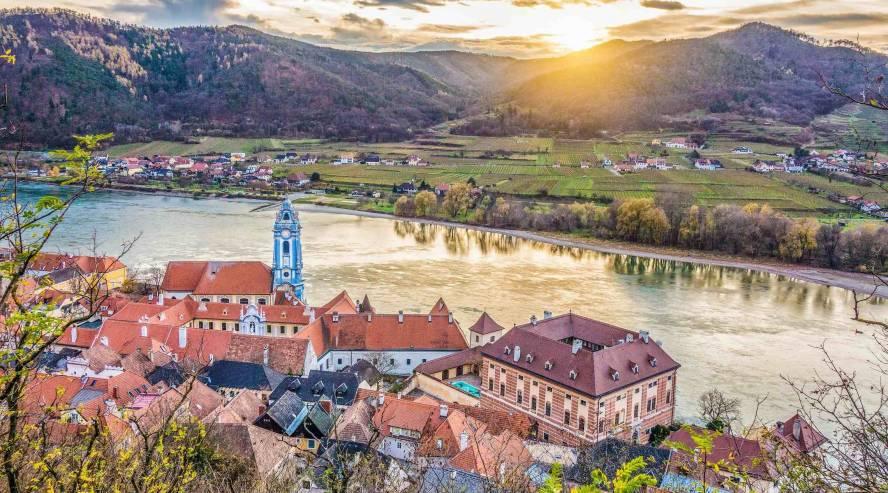 Dürnsteinin kyl Wachaun laaksossa Itävalta