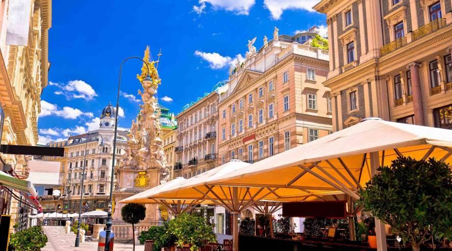 Historiallinen-aukio-Wienissä-Itävalta-888x493.jpg