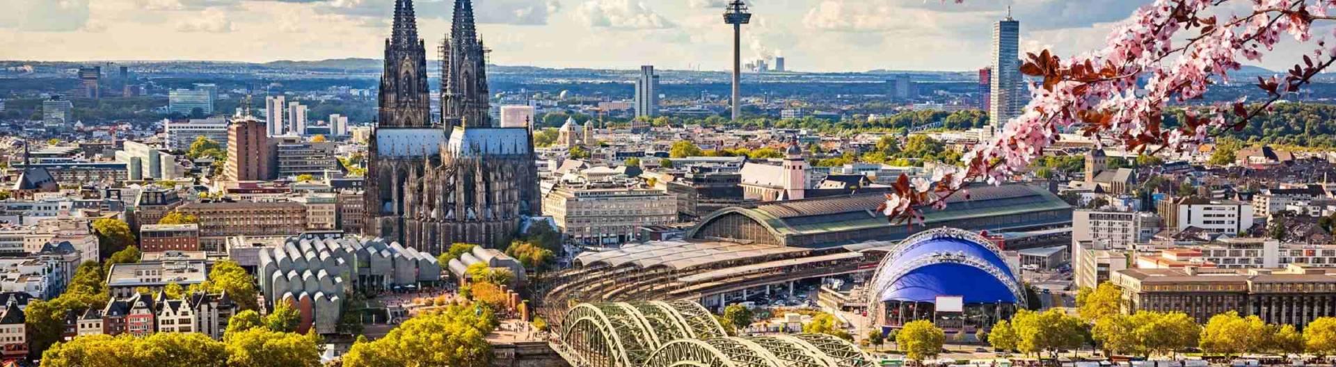 Kölnin-kaupunki-Reinin-varrella-Saksa-1920x528.jpg