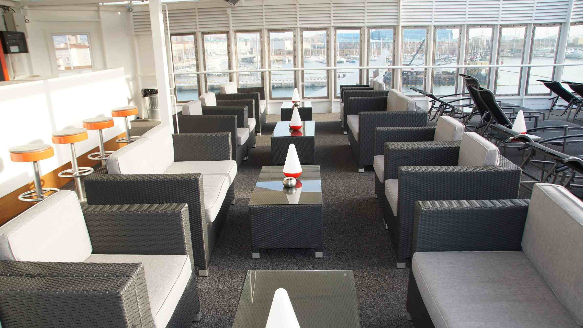 Berlin aurinkansi lounge c FTI Cruises