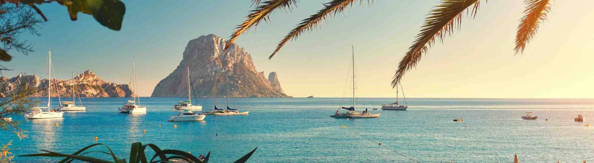 Espanja-Baleaarit-Ibiza-ranta-maisema-1920x528.jpg