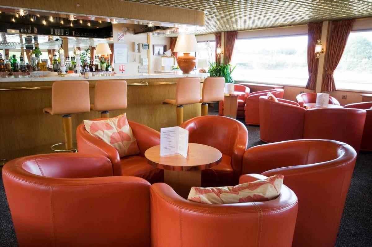 Rhone Princess Bar Lounge CroisiEurope© compressed