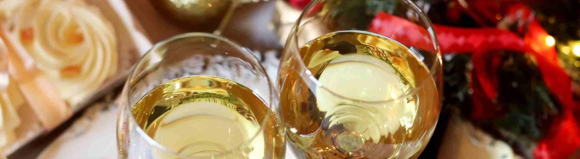 Jouluiset-viinilasit-ruoka-ja-juoma-1920x528.jpg