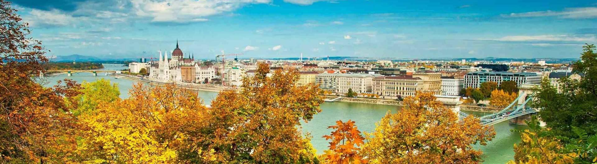 Budapest-syksyllä-Unkari-Tonavan-risteily-1920x528.jpg