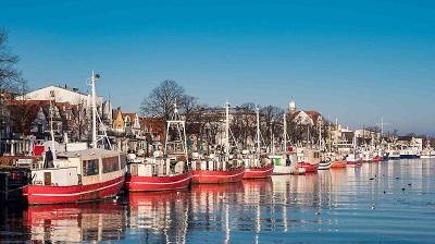 Warnemunde kalastaja aluksia talvella Saksa WRC