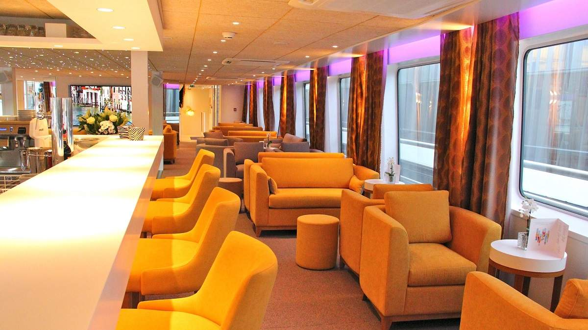 Camargue lounge bar CroisiEurope©CroisiEurope