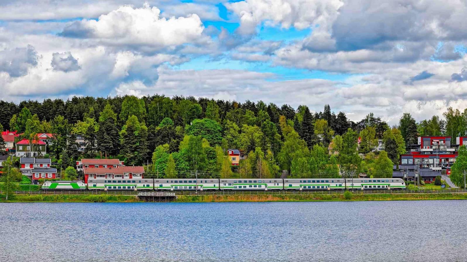 Intercity-juna-Kristina-RAILS-1596x896.jpg