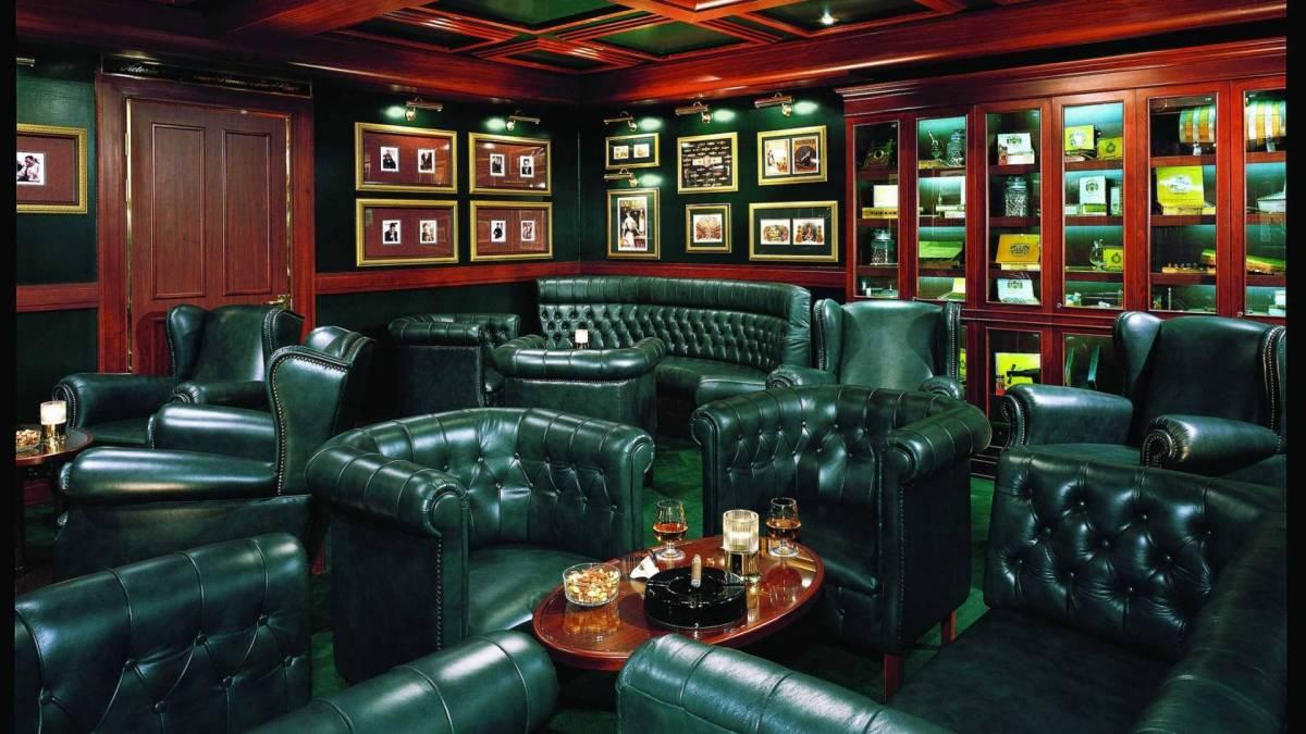 Churchill Cigar Bar Norwegian Sun ©NCL