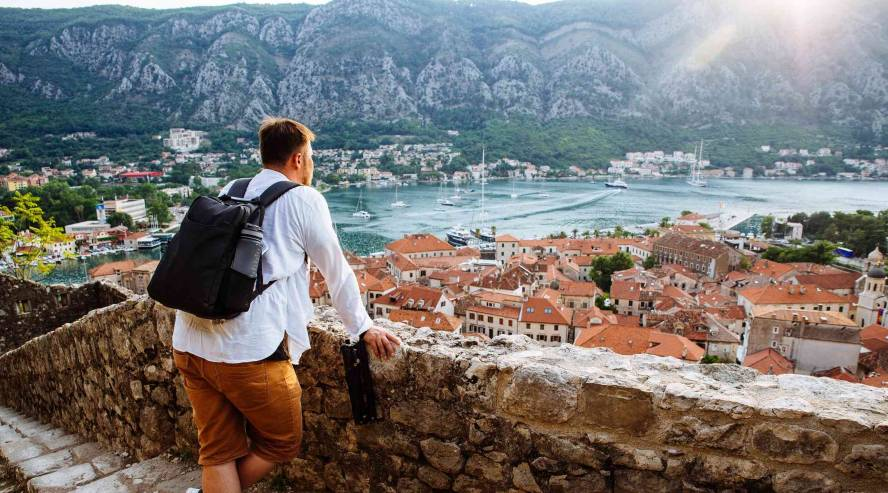 Kotorin-lahti-Montenegro-888x493.jpg