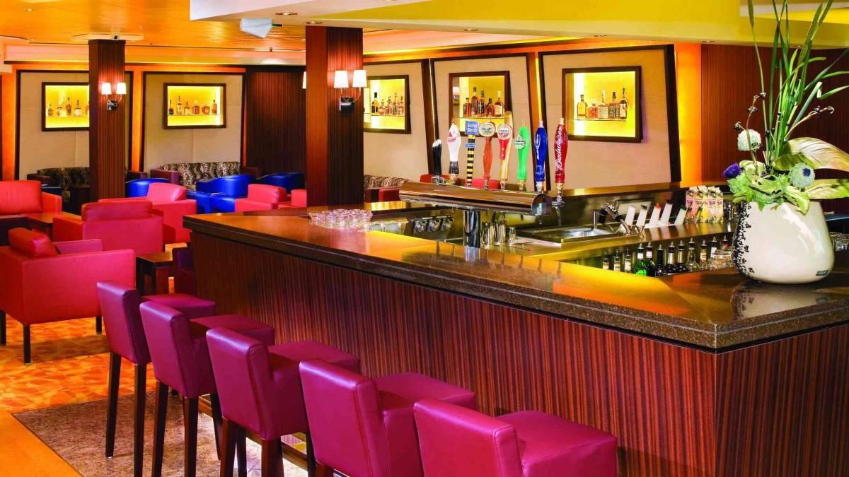 Tankards Bar Norwegian Jade ©NCL
